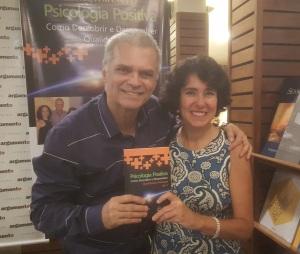 """Betty Vibranovski e Ricardo de Sá, um dos autores do livro """"Psicologia Positiva"""" - 22/11/2016"""
